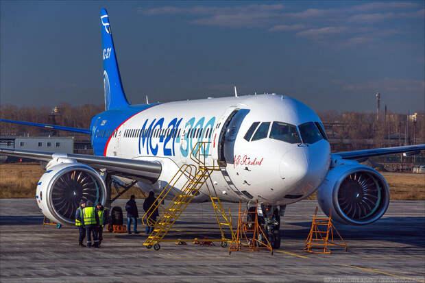 ОАК сообщила о начале серийных поставок самолета МС-21 в 2022 году