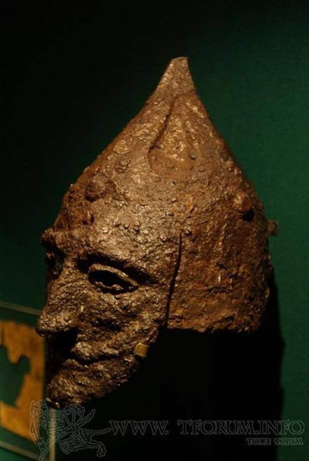 Шлем из Липовцов