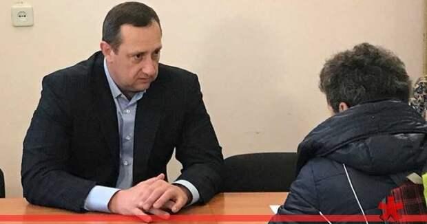 Аксенов подтвердил бегство экс-вице-премьера Серова от следствия