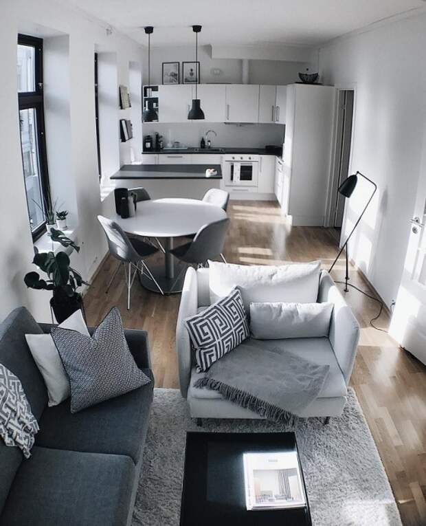 Однотонная мебель смотрится серо и скучно. / Фото: pfourwall.ru