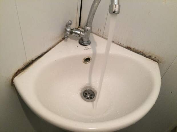 Адский туалет в Севастополе за 10 рублей