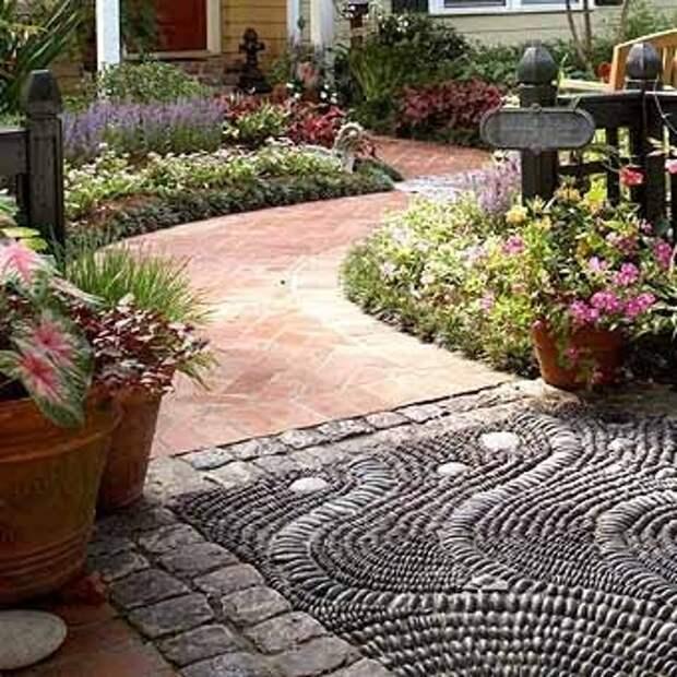 мозаика из гальки на садовых дорожках