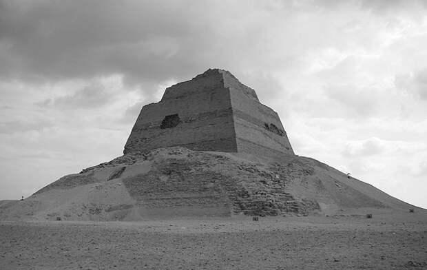 Загадки Медумской пирамиды