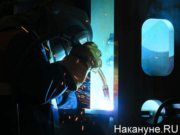 Помоги, отец родной. Рабочие челябинского завода, которые два года добиваются выплаты зарплаты, обратились к Путину