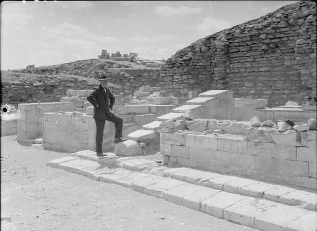 Раскопки Альфреда Моуда. Саккара. Раскопки храма. 1934