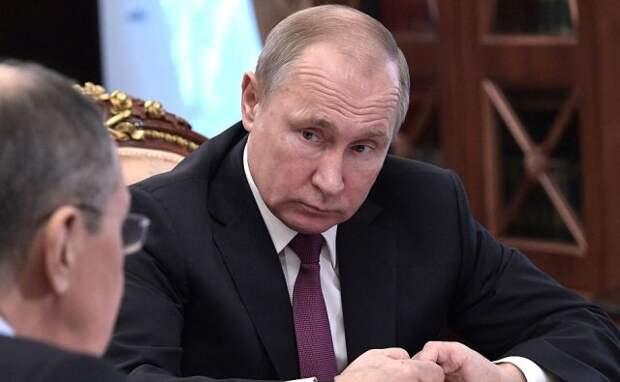 Кремль: Россия выходит из договора по РСМД