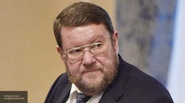 «Пир во время чумы»: Сатановский ответил Шушкевичу на обвинения России