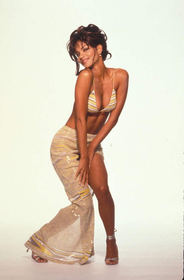 Холли Берри (Halle Berry) в фотосессии Гарри Лэнгдона (Harry Langdon) (1994), фото 5