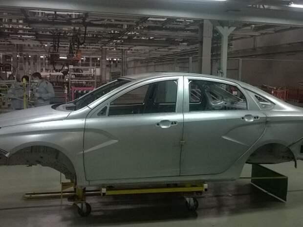В Ижевске сварили первый кузов Lada Vesta