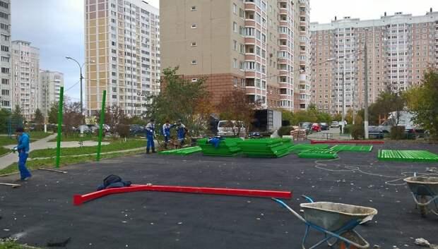 Подрядчик приступил к реконструкции детской и спортивной площадок в Кузнечиках