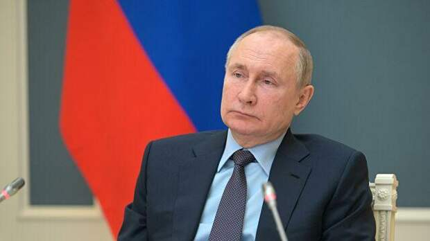 Владимир Путин подписал закон о клеймении физлиц-иноагентов