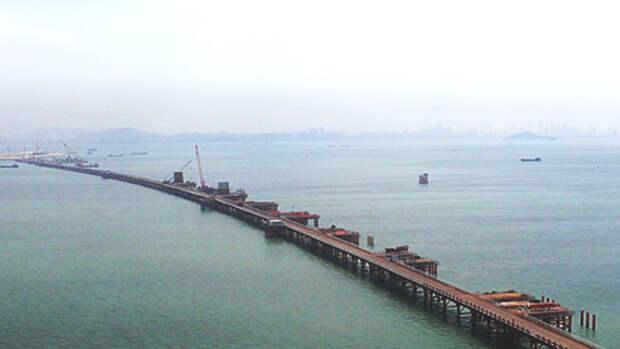На воде и под водой: в Китае строят уникальный мост