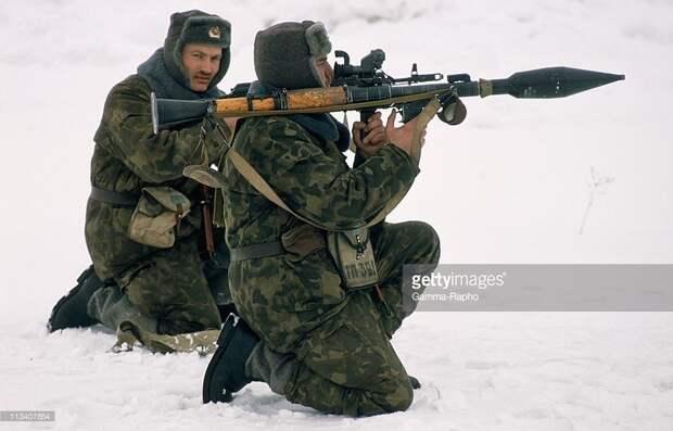 В преддверие 90-ых: Рязанское высшее воздушно-десантное командноме училище имени В.Ф. Маргелова в 1989-м году.