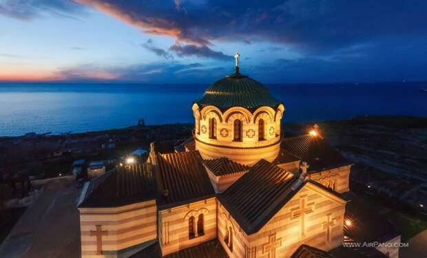 В Севастополе отметят День театра