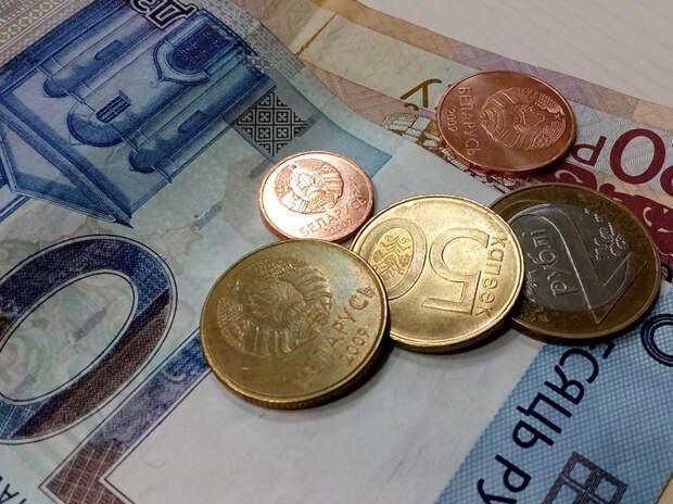 Названы зарплаты и расходы в странах бывшего СССР