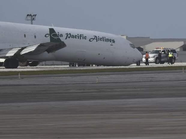 В сети появилось ошарашивающее видео «мягкой» аварийной посадки самолета