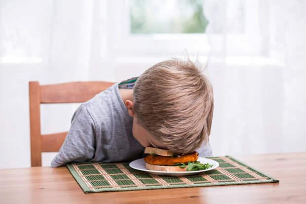 Не заставляйте детей есть вареные овощи
