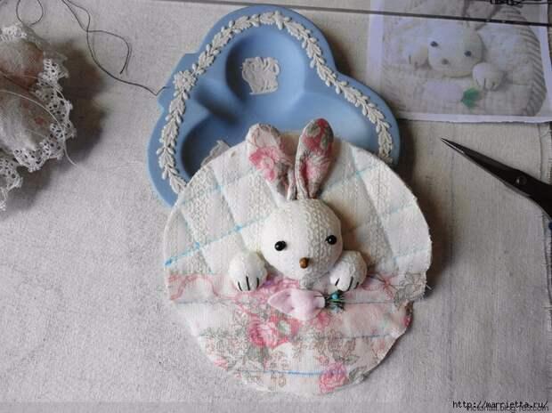Лоскутное шитье. Кошелек с кроликом (4) (700x524, 310Kb)