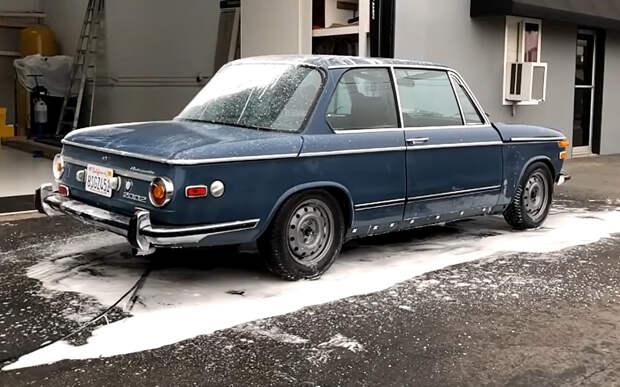 Древний BMW отмыли до идеального состояния: 7 шагов