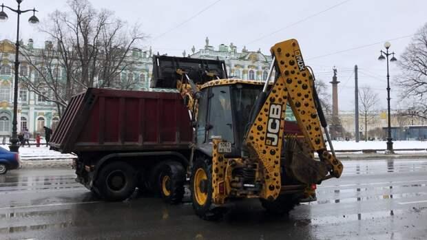 Улицы Петербурга в воскресенье убирали 712 единиц техники и 902 дворника