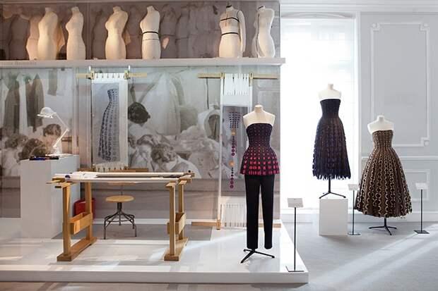 Подготовка к показу Dior Haute Couture