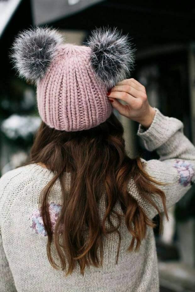 Как с комфортом пережить зиму: 14 отличных вязаных шапок