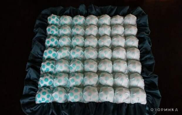 пример шитого одеяла из остатков ткани