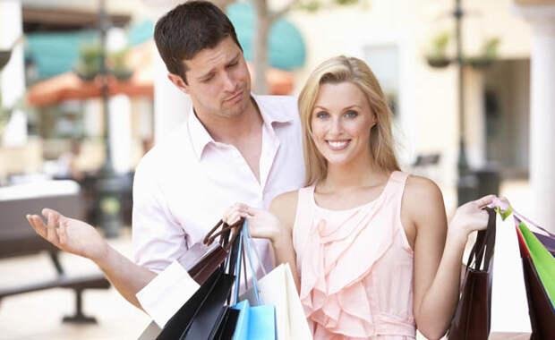 Блог Павла Аксенова. Анекдоты от Пафнутия про шопинг. Фото monkeybusiness - Depositphotos