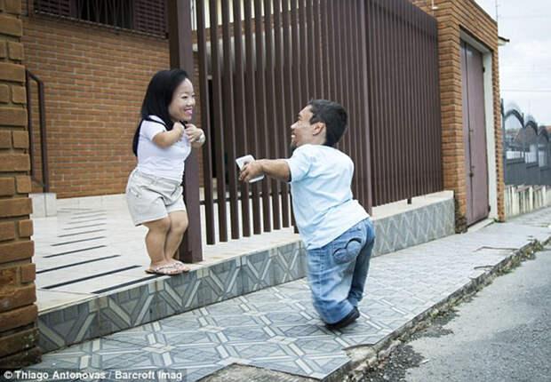 Размер не имеет значения: как самой низкорослой паре в мире удается вести нормальную жизнь