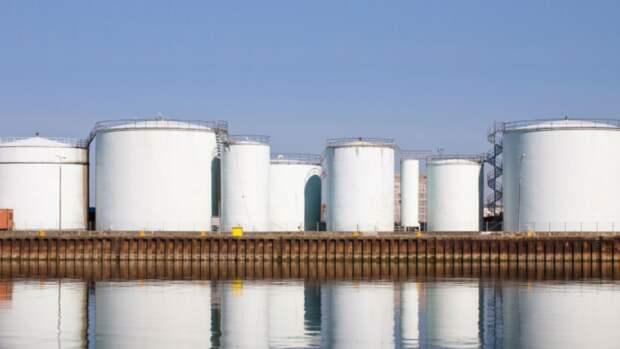 Нефтехранилища вмире переполняются