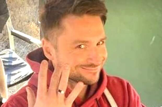 Сергей Лазарев объяснил возникновение обручального кольца
