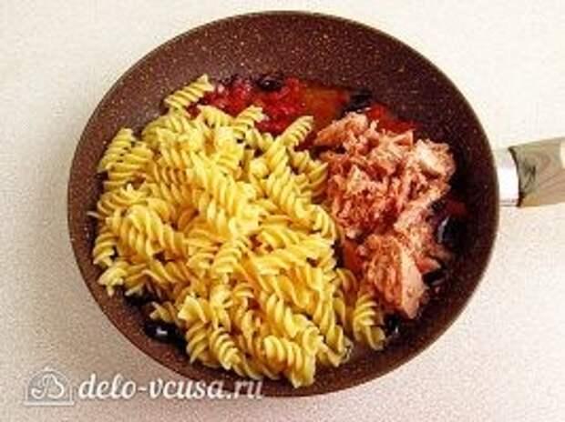 Паста с тунцом и оливками: фото к шагу 9