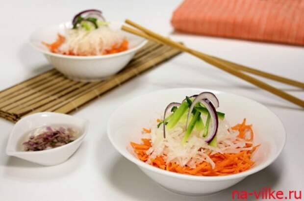 Лёгкий салат с дайконом
