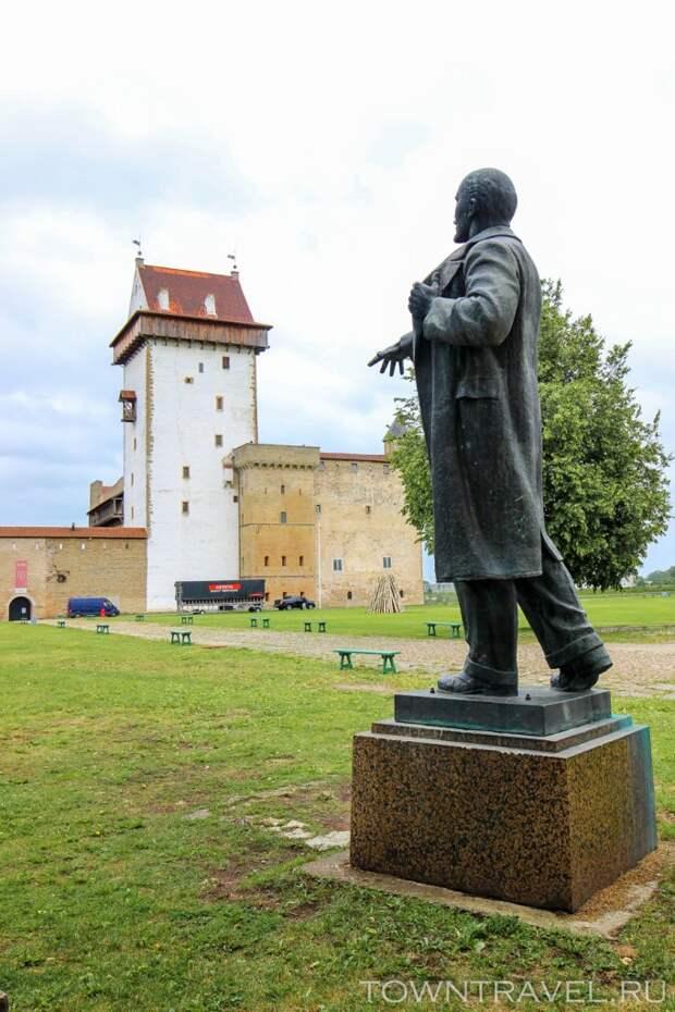 22 Ленин в Нарвском замке (музее)
