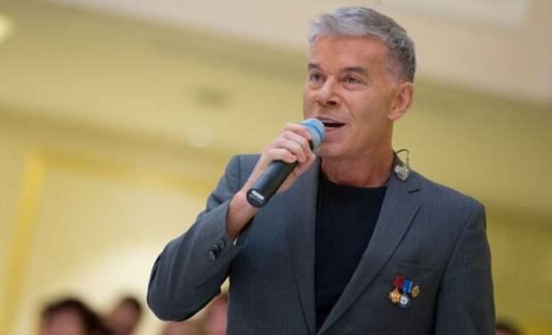 Газманов признался, что контактировал с зараженным коронавирусом Лещенко