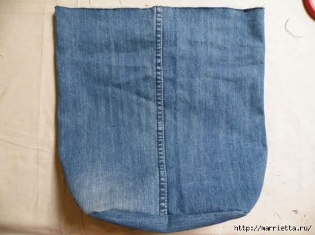 Сумка в спортивном стиле из старых джинсов (13) (490x367, 109Kb)