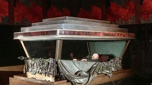 Союз архитекторов отменил конкурс на реиспользование Мавзолея Ленина