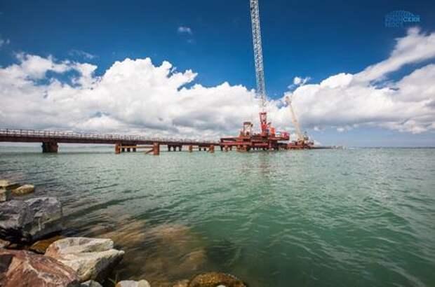 Крымский мост вышел в море