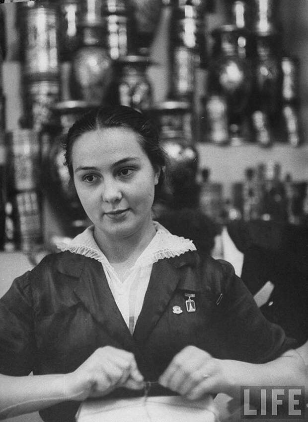 Москвички в1956 году наснимках фотографа LIFE Лизы Ларсен