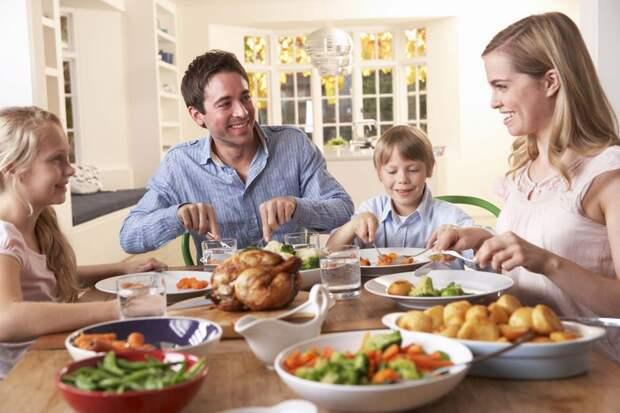 В старину лучший кусок отдавали родителям, что стоит за этой традицией