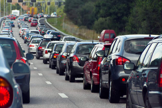 Вождение в колонне: что должен знать каждый водитель?
