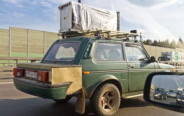 Дополнительный багажник никогда не помешает. нива, приколы, тюнинг