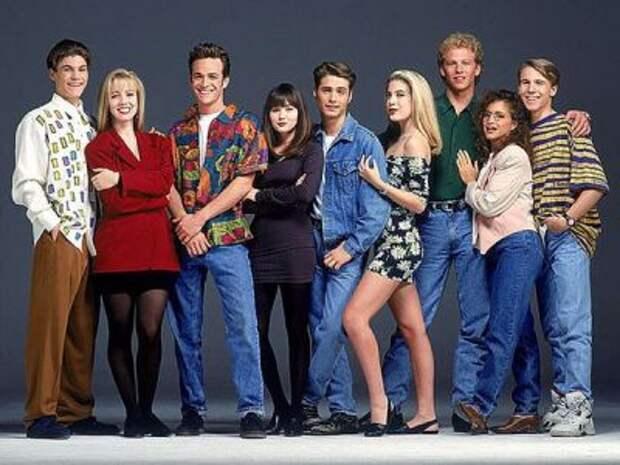 """25 лет спустя: как выглядят главные актеры сериала """"Беверли-Хиллз 90210"""" сегодня"""