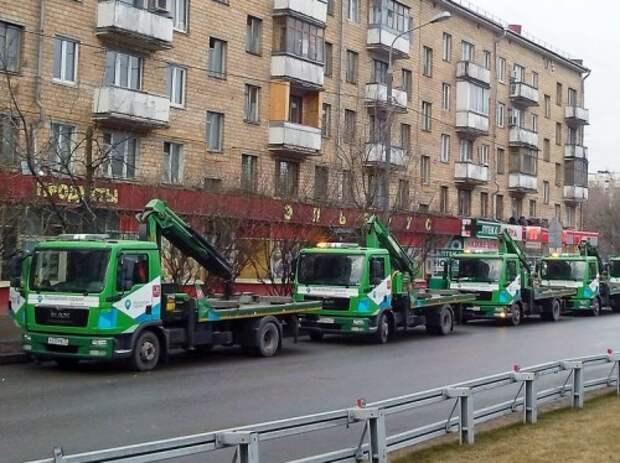 Ликсутов: Москва против отмены эвакуации из под запрещающих знаков