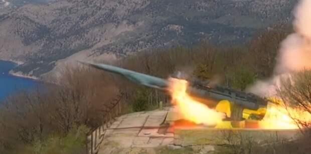 Восстановленный в Крыму ракетный комплекс «Утес» окрестили «убийцей кораблей»