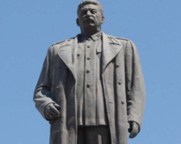 Губернатор Орловщины поддержал идею установки в Орле бюста Сталину