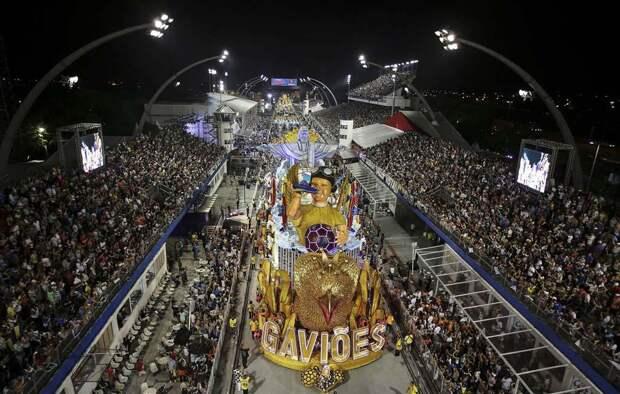 20 ярких кадров карнавалов со всего света