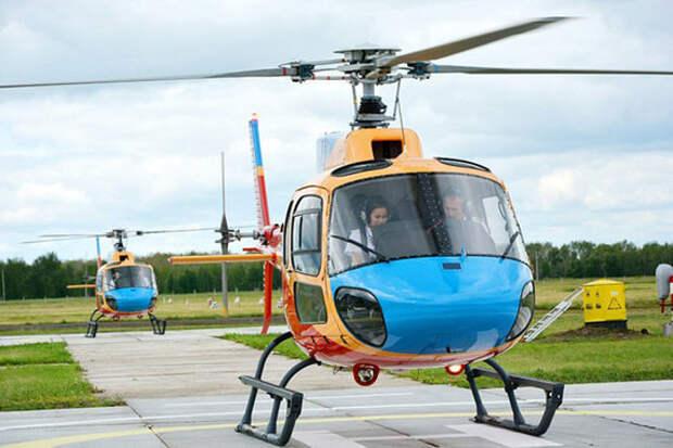 Для выпуска из колледжа курсант должен налетать 140 часов на легких и тяжелых вертолетах