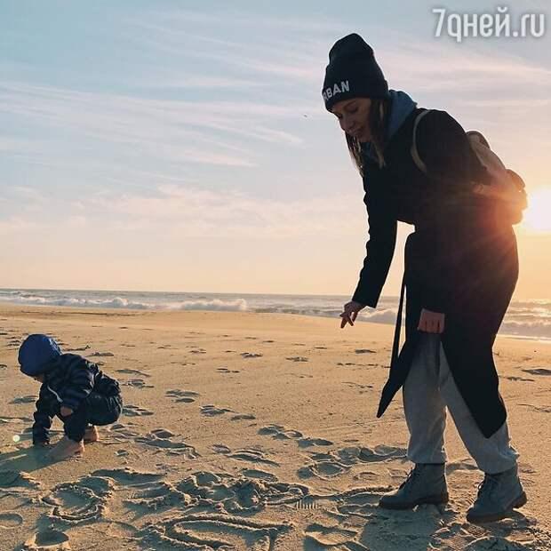 «Это отразится на ребёнке»: почему Савичева оставила дочь в Португалии