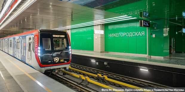 Время работы городского транспорта в Москве продлят в ночь на Рождество. Фото: М. Мишин mos.ru